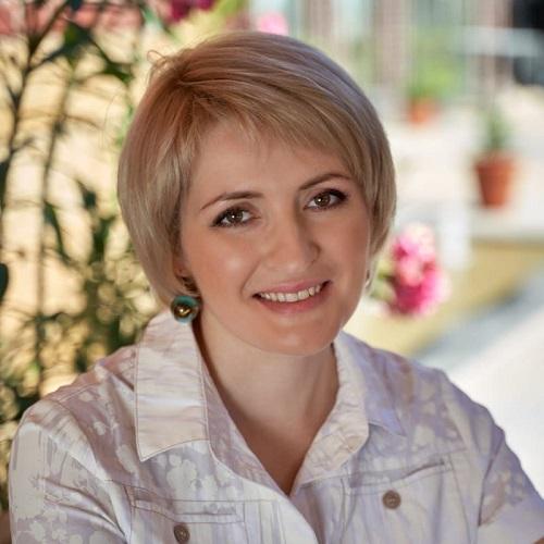 Анна Папиж